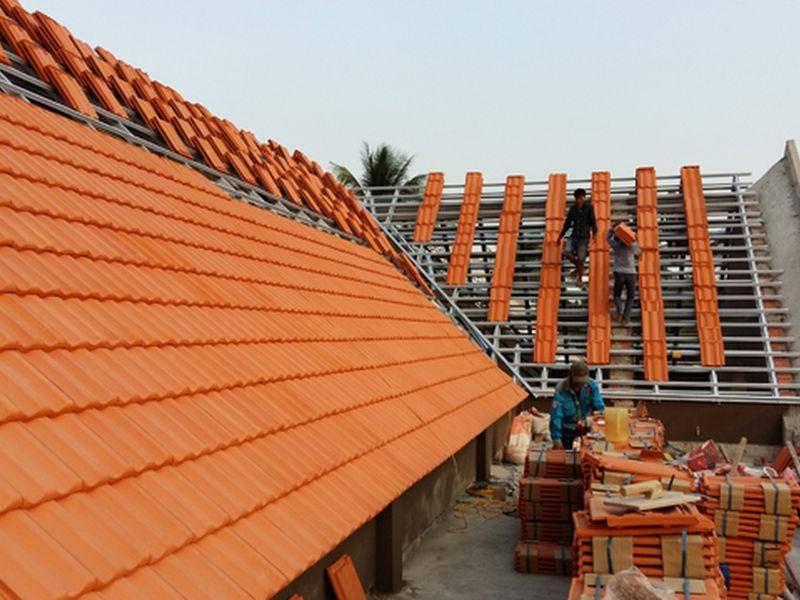 Mái nhà lợp bằng ngói